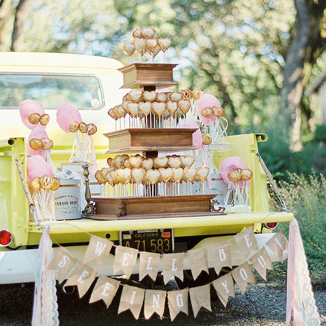 alternativas a pasteles de boda paletas de pastel divertidos