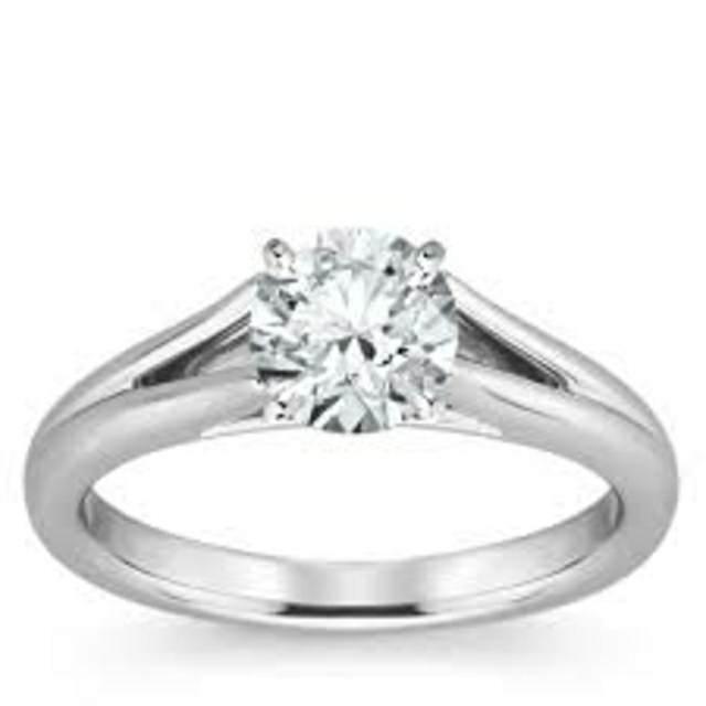 anillo de noviazgo diamante