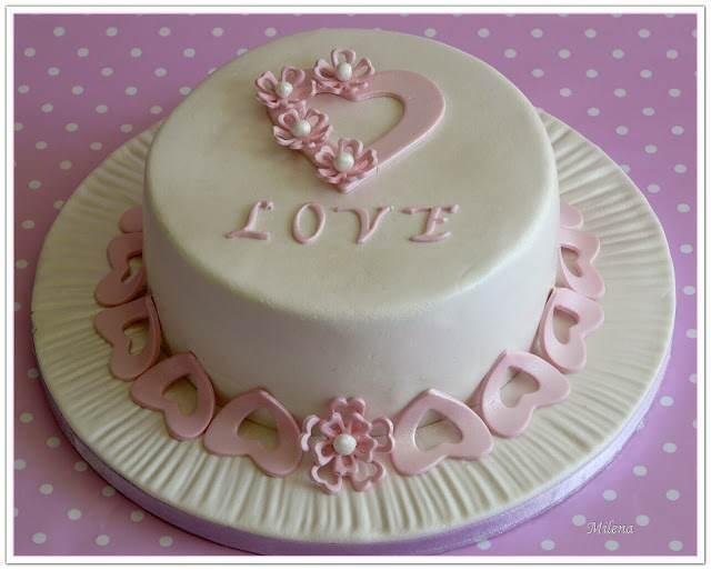 bolo pequeño elegante aniversario
