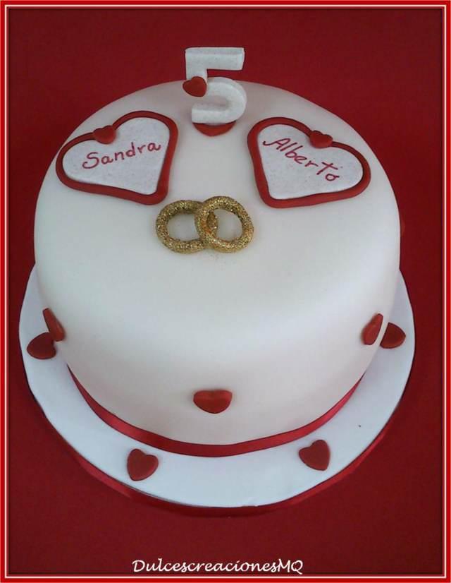 pastel aniversario corazones anillos