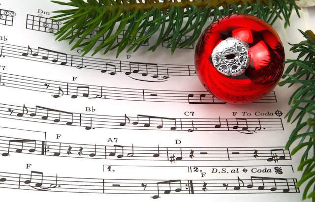 canciones de Navidad hoja de música decoración bola