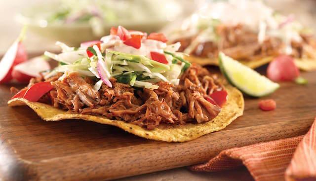 catering temático celebración fiesta mexicana tostadas pollo