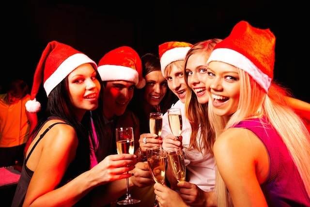 celebración empresa empleados fiesta navideña