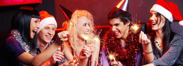 celebración fiesta de Navidad empleados diversión