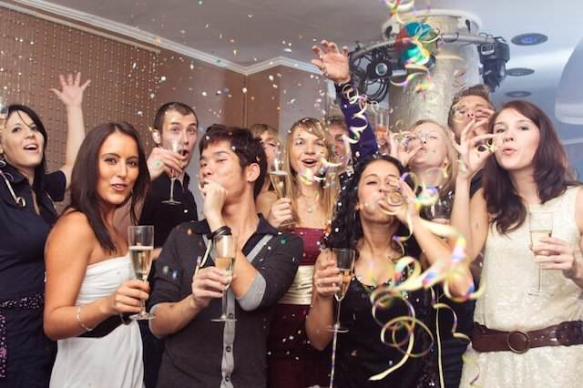 fiestas temáticas navideñas celebrar evento corporativo