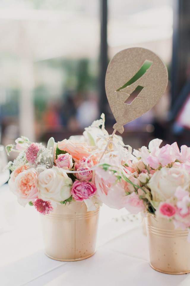 centro de flores para bodas preciosas