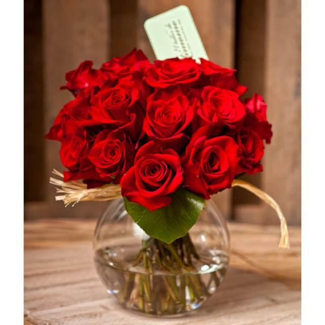 centros de mesas bodas unas rosas rojas