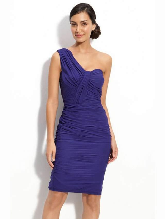 cóctel vestido hermoso y corto color azul