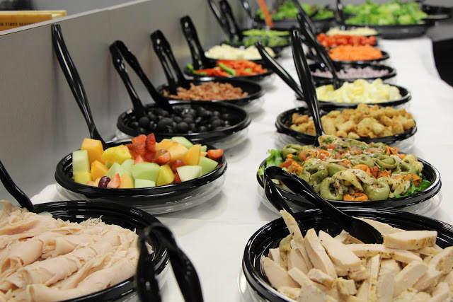 comida elegante fina para organización catering conferencia