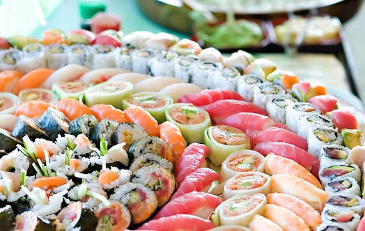 La fiesta tem tica diferente con comida japonesa for Canape platters cape town
