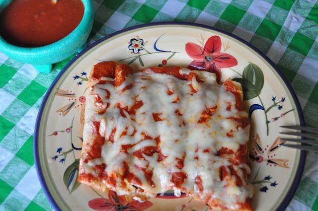 comida mexicana enchiladas pollo sabrosos preparados