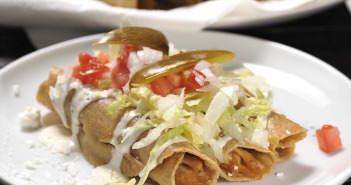 comida-mexicana-tacos-de-pollo-sabrosos