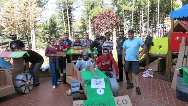 construir coches team building creativo divertido