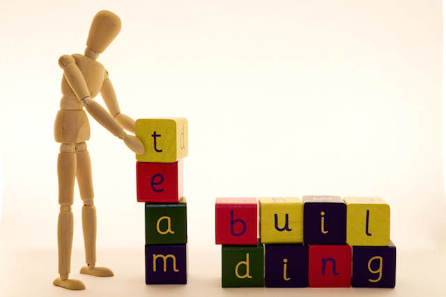 construir paso a paso equipo ganador motivado