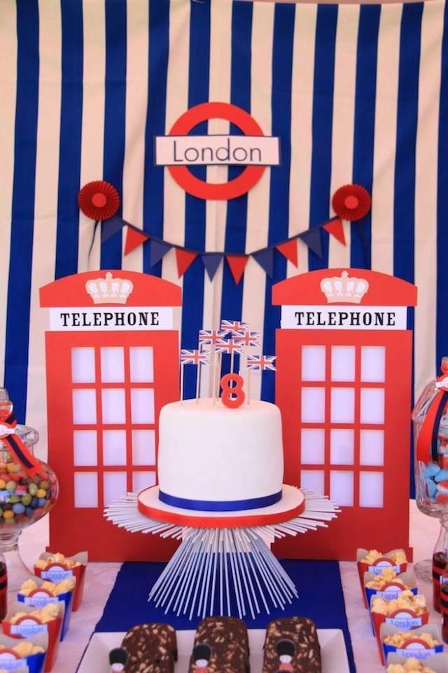 cumpleaños infantiles decoración entera tema Londres colores clásicos
