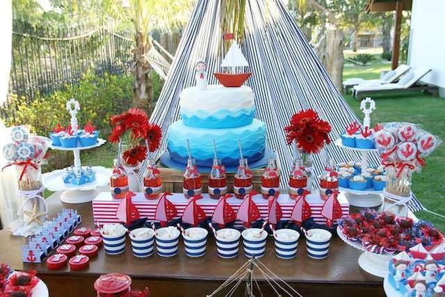 decoración catering postres pastel rojo azul oscuro blanco