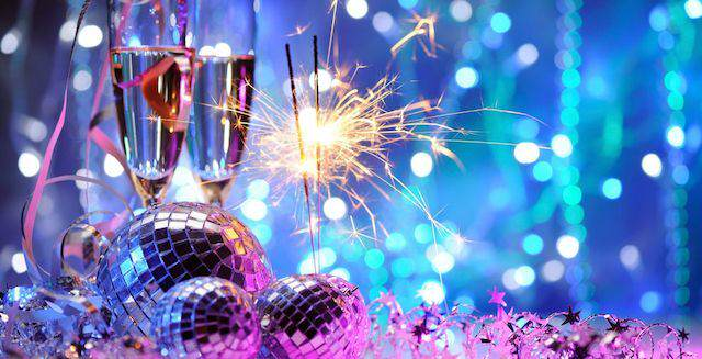 decoración iluminación color lila azul evento Navidad