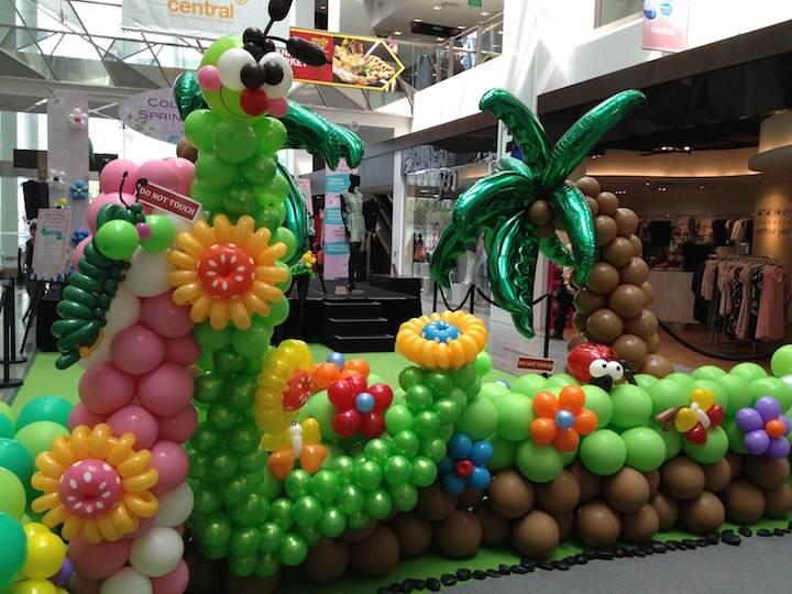 decoración increíble con globos diferentes formas tamaños colores