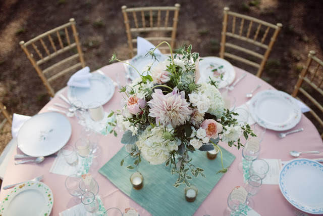 decoración mesa estilo retro vintage rosa menta