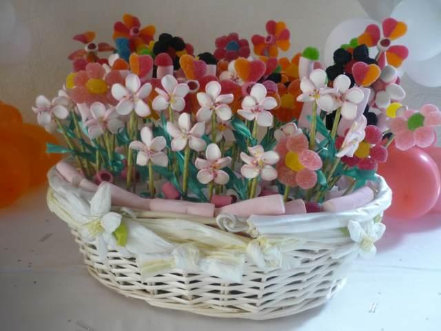 decoración original biznagas de azúcar en forma de flores