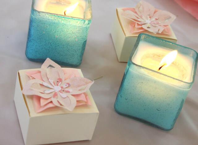 decoración romántica velas menta flores color rosa
