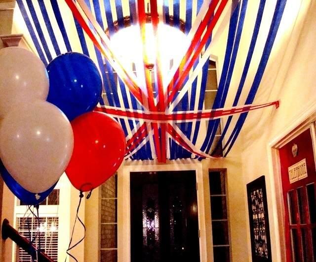 decoración techo bandeja Londres globos colores típicos