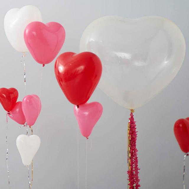 decoraciones con globos forma de corazón para ser amado