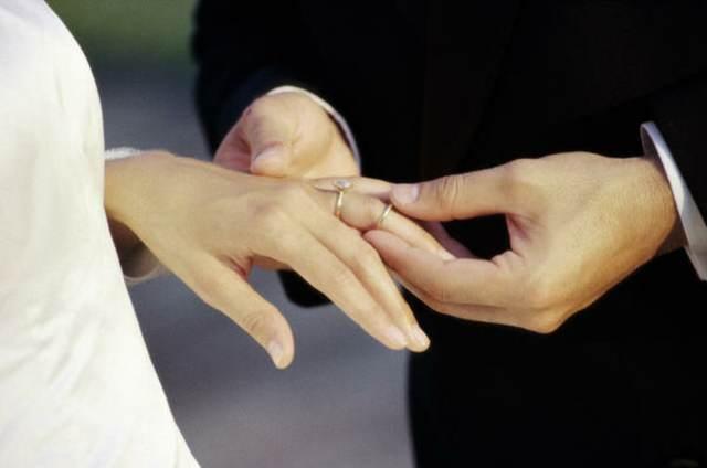 detalles de boda un anillos momento importante cada pareja