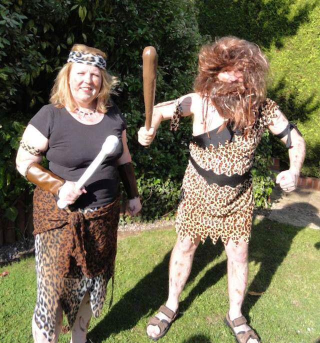 disfraces de Halloween para parejas cavernícolas