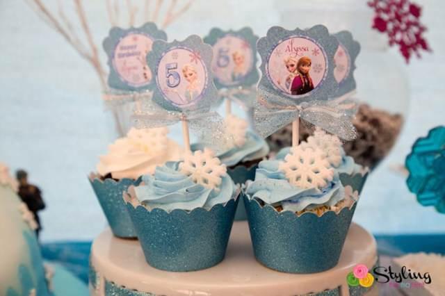 dulces con esmalte azul decoración copo de nieve