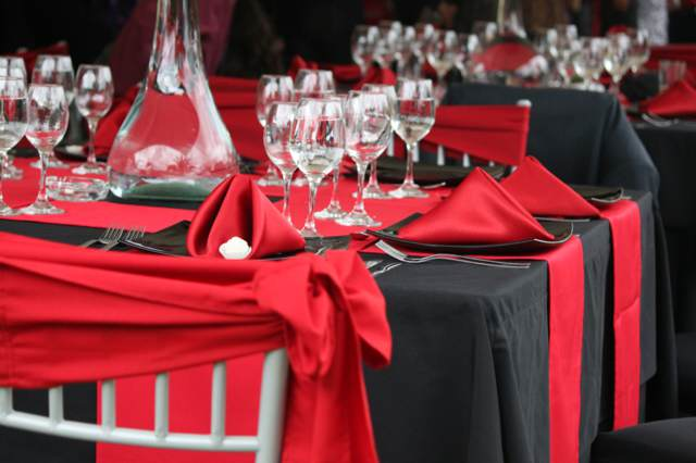 evento decoración en color rojo negro