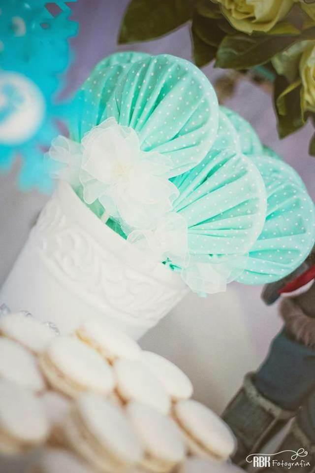 galletas con esmalte blanco  y decoración temática