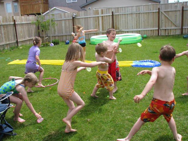 globos llenos de agua para juegos fiestas infantiles