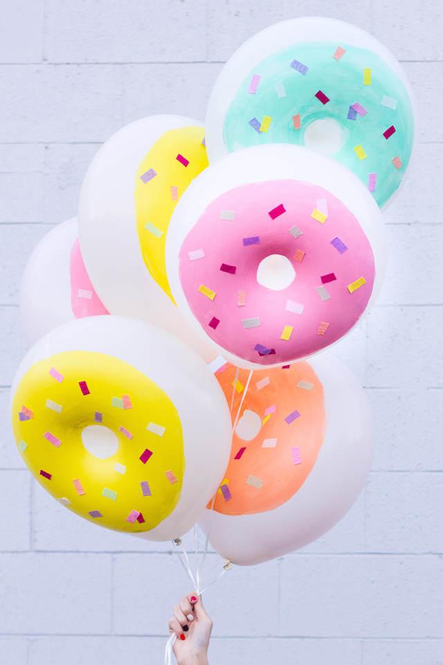 globos divertidos originales en forma de donuts pintados