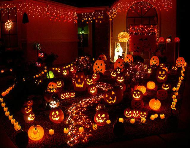 Halloween decoración con calabazas faroles