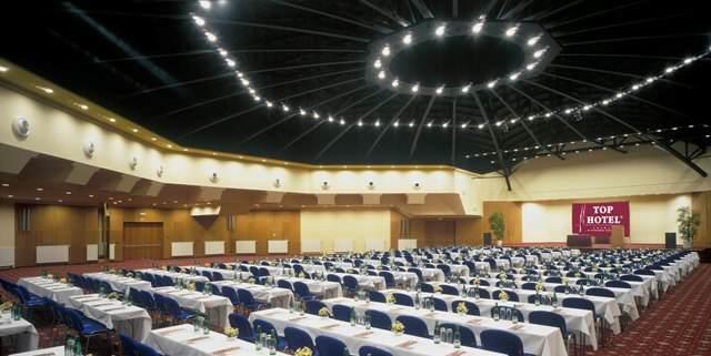 hotel sala profesional moderna para congresos