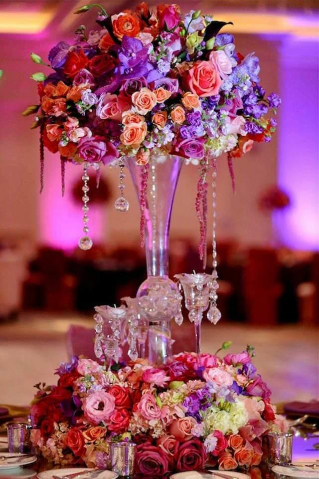 ideas para centros de mesa extravagantes boda en colores lila rosa