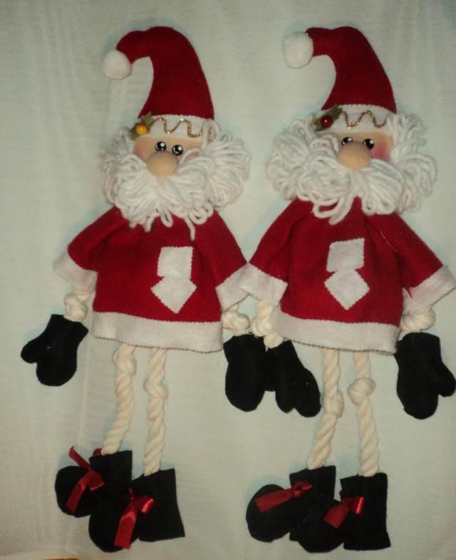 unas manualidades navideñas  puertas papá noel