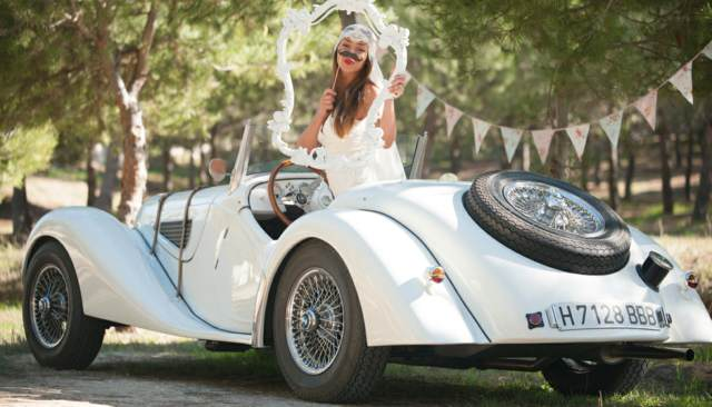 novia coche interesante para el día de la boda
