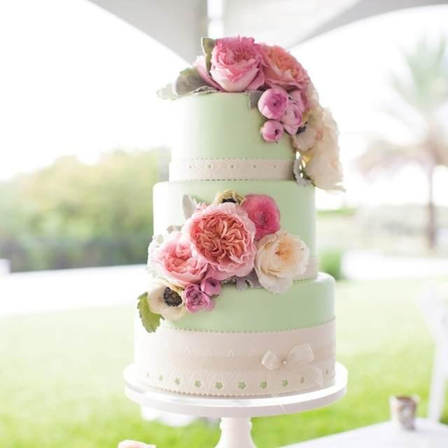 pastel boda menta blanco decoración flores rosa