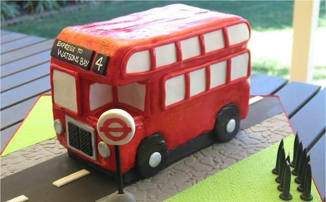 pastel tema clásico autobús ingles rojo dos pisos