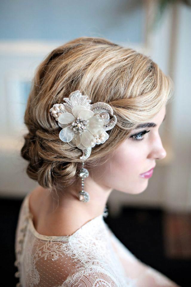 peinado de novia estilo vintage chignon flor retro