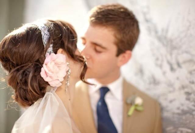 peinado de novia estilo retro vintage combinación velo de novia