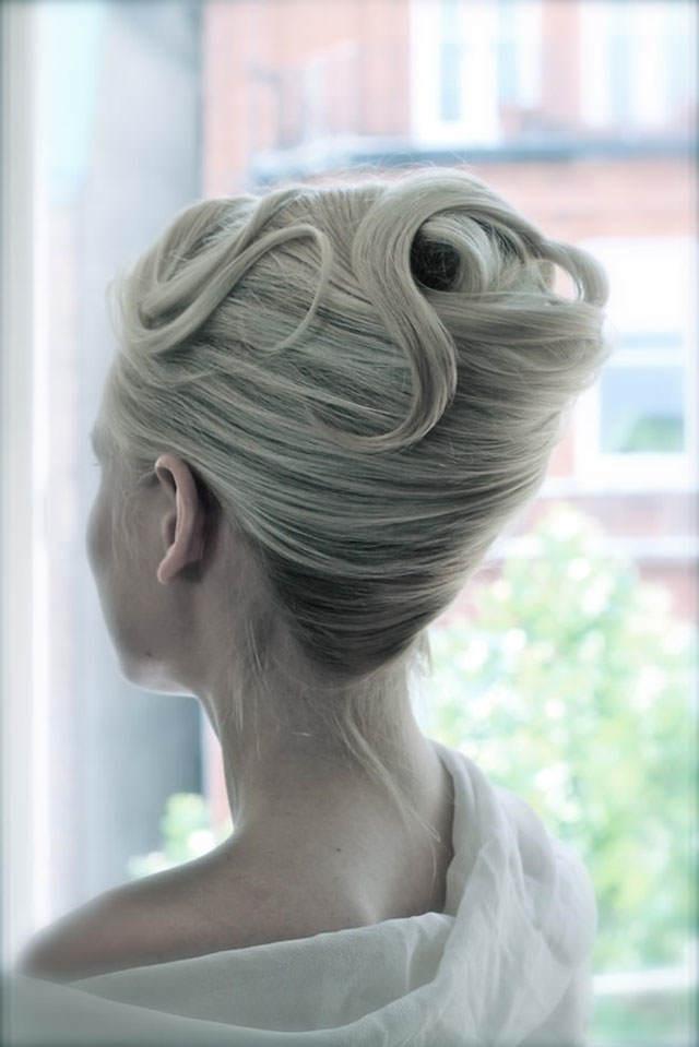 peinado de novia giro francés estilo clásico tierno