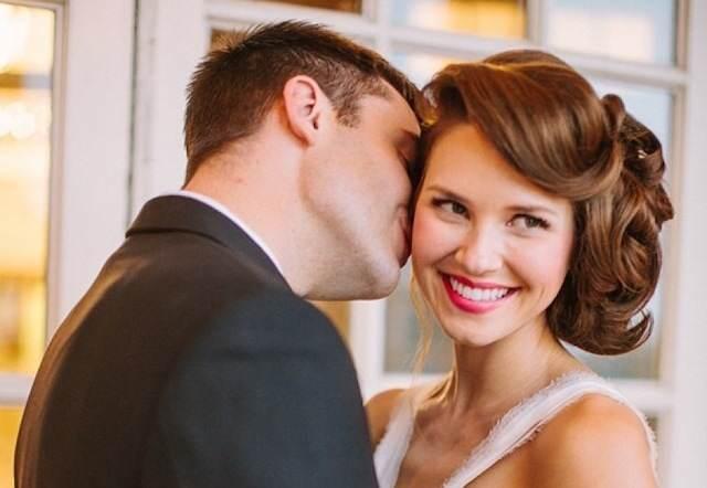 peinado de novia moño chignon estilo innovador izquierda