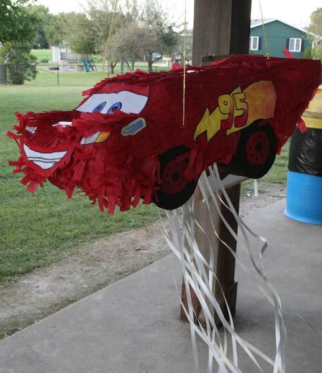 piñata McQueen tipo pull strings para niños