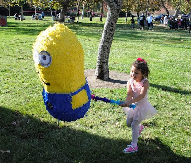 piñata minions película animada famosa variante de niños