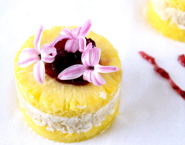 postre dulce guapo piña decorada flores lila