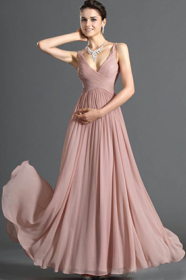 precioso vestido de noche color elegante joyas