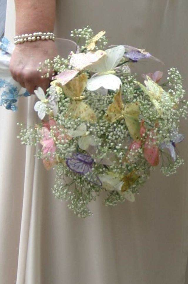 ramo de boda mariposas inspirado en cuentos de hadas